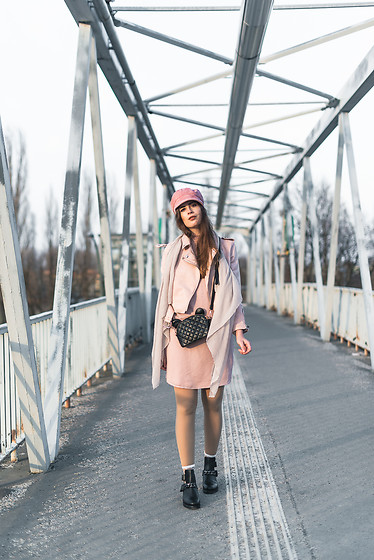Andrea Funk / andysparkles.de - Topshop Cap - All in Pink and Black