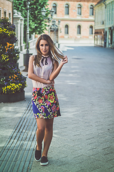 Aevoulette Benssalconia - Calliope Shirt, Mona Floral Skirt, Gaga Fashion Glitter Sneakers - New Now