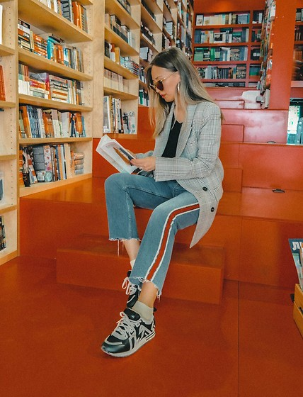 Queen Horsfall - Asos Blazer, Topshop Red Line Jeans - Book Mood