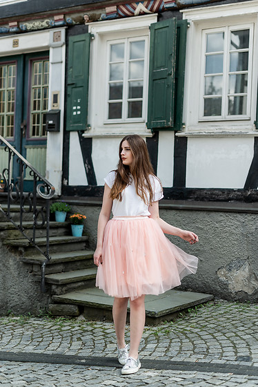 Andrea Funk / andysparkles.de - Chic Wish Tulle Skirt - Tulle and Sneaker