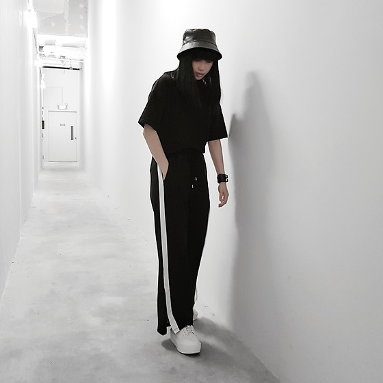 Michelle K - Asos Faux Leather Bucket Hat, Black Oversized Tee, Wego White Stripe Flare Pants, Charles & Keith White Platform Sneakers - Complement