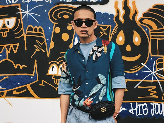 SHOCK LIN - Ray Ban Wayfarer, Zara Shirt, Gucci Belt Bag, Talking About The Abstraction Short Pants - Flower Mafia