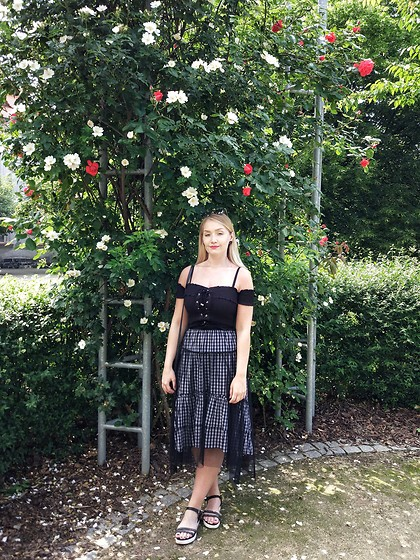 Petra - New Yorker Black Laceup Off The Shoulder Top, Reserved Gingham Midi Tulle Skirt - Summer in the city.