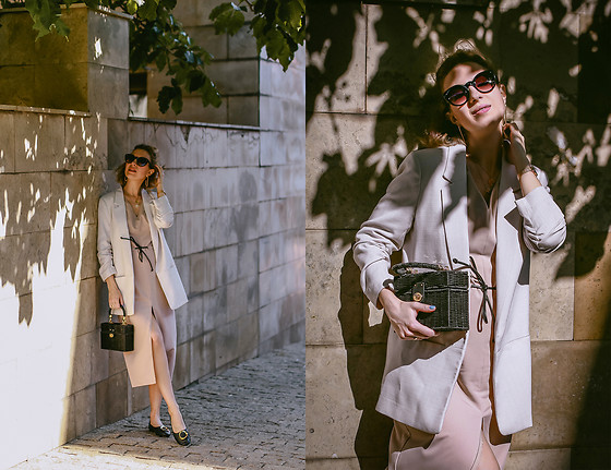 Margarita Maslova - Zara Bag, H&M Linen Jacket, Mango Black Shoes - Summer outfit with linen jacket