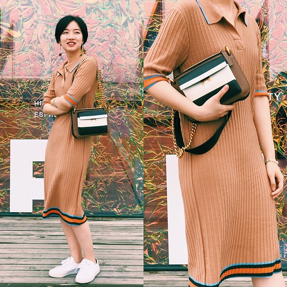 Yueming -  - The khaki dress