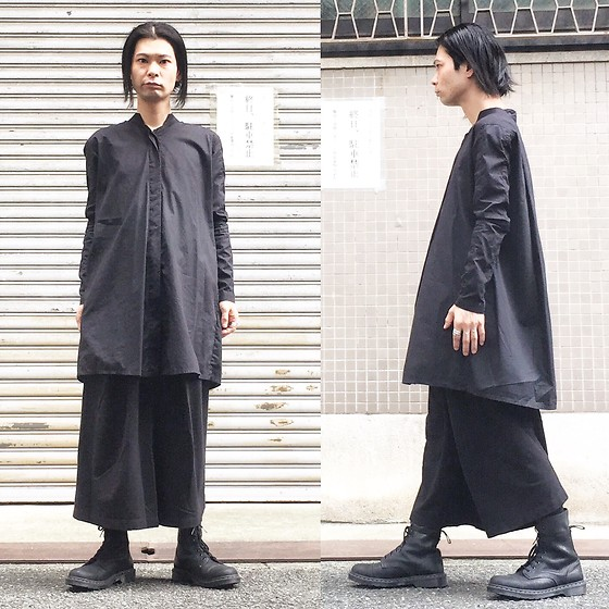 @KiD - Monochrome Long Shirts, Monochrome Hakama Pants, Dr. Martens Combat Boots - JapaneseTrash403