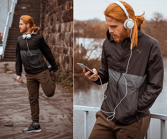 Maik - Puma Jacekt, Puma Sweatpants, Puma Sneaker, Jays Headphones - Outdoor running