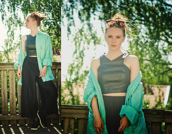 Sofia Holmberg - Vintage 60s (From My Grandma), Monki Pants, Gina Tricot Crop Top - The last day