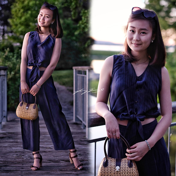 L Z - Club Monaco Romper, Vintage Purse, Massimo Dutti Sandals - Shadow Stripes at Sunset