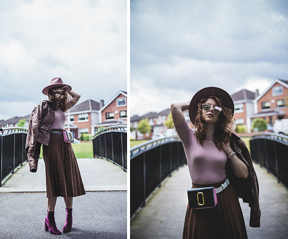 Eleonora Pellini - Marc By Jacobs Belt Bag, Lack Of Colors Pink Hat, Steve Madden Velvet Ankle Boots - Don't let the wind take your hat