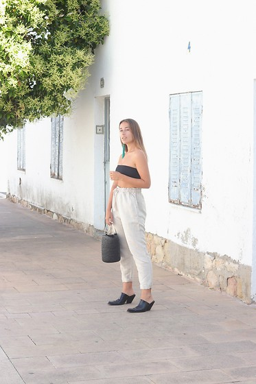 Claudia Villanueva - Boohoo Top, Oysho Pants, Shein Bag, Zara Shoes - Linen Trousers