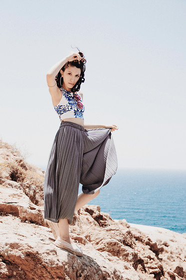 Wonderstyle - Adalia Atelier Custom Made Top, Bershka Comfy Pleated Skirt Pants, New Yorker Baby Pink Espadrilles - The Santorini Island