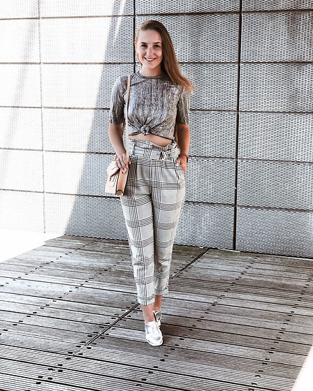 Vera Vonk - Bershka Pants, Primark Shirt - Grey on Grey