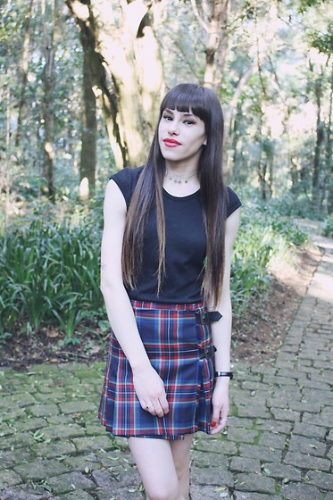 Valéria Przysbeczyski - Zaful Choker, Gant Plaid Skirt - Summer Is A Curse