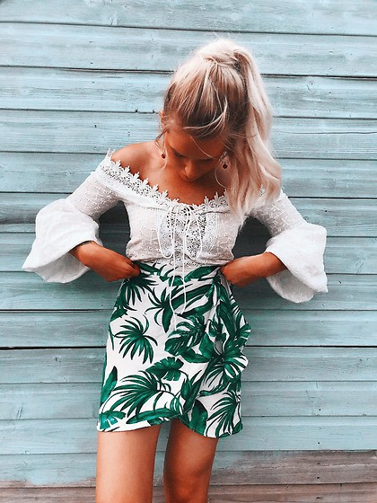 Fern Jenner - H&M Skirt, Shein Lace Top - Tropical