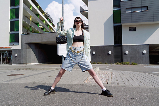 †Norelle Rheingold† - Thrifted Retro Sunglasses, Vintage Tweed Blazer, Chanel Vintage Purse, Vintage Chain Belt, Dr. Martens Shoes - Cool kids never have the time.