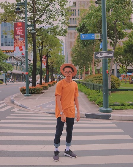 John Castillo - H&M Wide Brimmed Hat, Penshoppe Mustard Tshirt, Tvrus Watch, Oxygen Clothing Jeans, Adidas Trainers - Ig: @rodolfcastillo