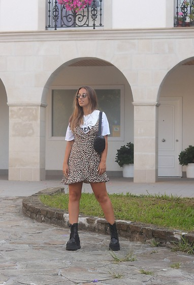 Claudia Villanueva - Zara T Shirt, Bershka Dress, Stradivarius Fanny Pack, Un Paso Mas Boots - Party Animal
