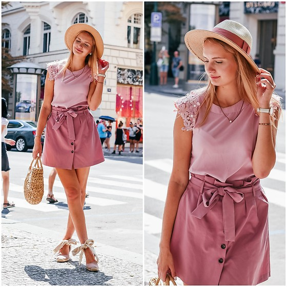 Madara L - Shein Pink Floral Top, Asos Paperbag Style Skirt, Ebay Straw Bag, Zara Espadrilles - Feeling romantic in Prague