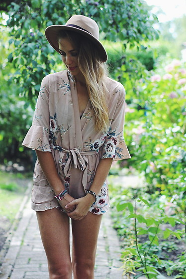 Willa Cherrybomb -  - Beige Flower Playsuit