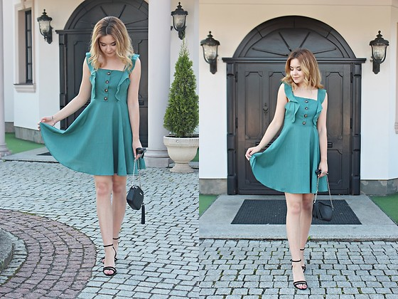 Sabina S. -  - SEA GREEN DRESS / DRESSLILY.COM