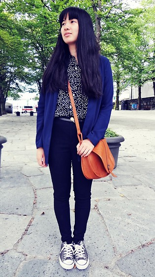 Dina N. - H&M Dark Blue Blazer - Black and Blue