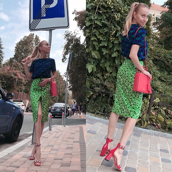 Svetlana Pershyna - My Design Green Skirt, Marc By Jacobs Navy Top, Fideliti Red Bag, Scarlett Italy Red Shoes - Lucky look