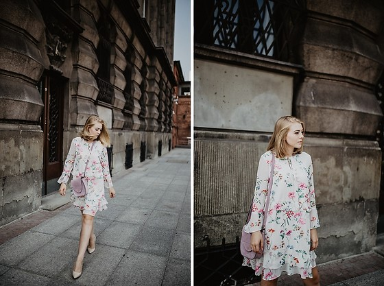 Aleksandra Szymiczek -  - Floral dress