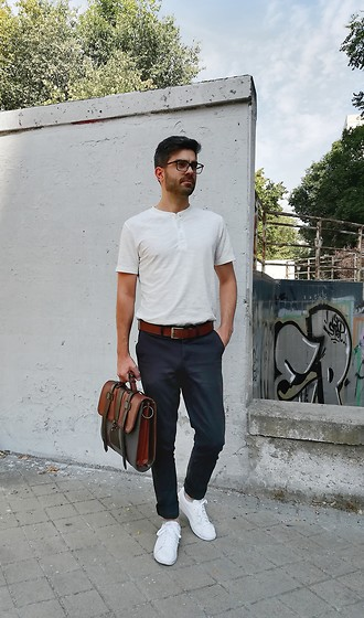 Alejandro Cejudo Dueñas - Mango White Buttoned T Shirt, Pull & Bear Deep Blue Trousers, Puma White Sneakers, Forecast Leather Belt, Handmade Leather Briefcase - Casual work