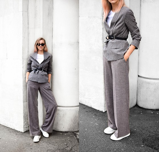 Katarina Vidd -  - How to wear wide suit