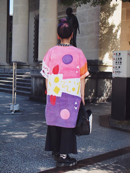 Kanaho Morris - Kanaho Morisue Painting On T Shirt, Issey Miyake Pleats Please, Dr. Martens 80's Vintage, Kanaho's Show Stage:786 - Aug 19, 2018 stage:786 back