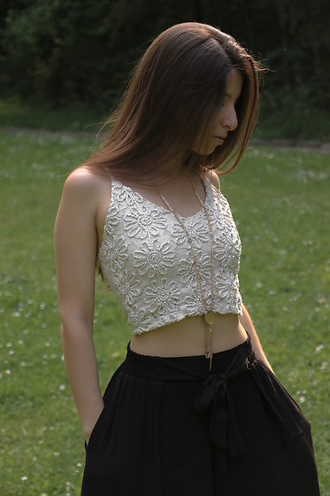 Carmen Schubert - Zara Crop Top - Crop Top