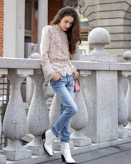 Veronika Lipar - Ganni White Cowboy Boots, Furla Pink Metropolis, Fornarina Floral Print Blouse, A.P.C. Blue Washed Denim Jeans - SERIOUSLY, THIS BLOUSE IS STILL IN FASHION!