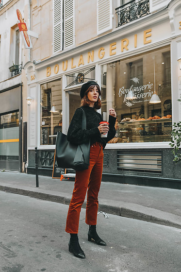 Laugh of Artist - Acne Studios Cabas, Other Stories Pants, Massimo Dutti Boots - Parisienne