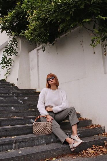 Ana Vukosavljevic - Giant Vintage Sweater, Oyster Shoes, Gucci Sunglasses - Statement Shoes