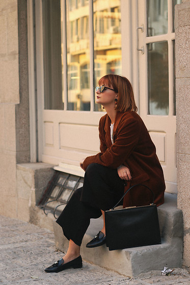 Ana Vukosavljevic - H&M Blazer, Picard Bag, Gucci Sunglasses, Alexandrine Paris Earrings, H&M Pants, Flattered Loafers - Corduroy blazer