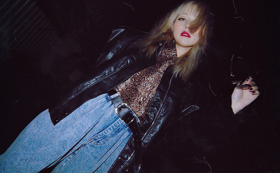 Vita Chen - Vii & Co. Retro Velvet Sleeve Moto Jacket, Vii & Co. Snake Print Shirt, Vii & Co. Acid Wash Mom Jeans, Vii & Co. Black Wide Buckle Belt - 80s