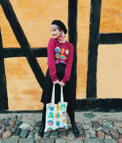 Alice Jones - Myrainbowtee Tote, Myrainbowtee Sweatshirt - Nakskov