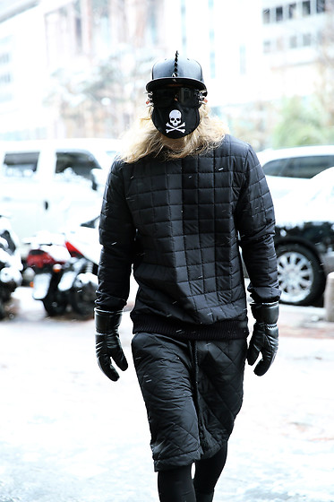 INWON LEE - Byther Square Quilting Sweater, Byther Square Quilting Shorts, Byther Leather Gloves - Quilted Puffer Black ByTheR