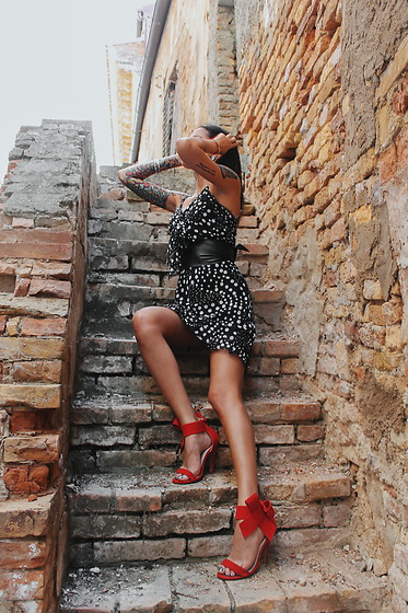 Karen Cepeda - Pois Dress, Shein Heels, Leather Belt - CITTA' SANT'ANGELO