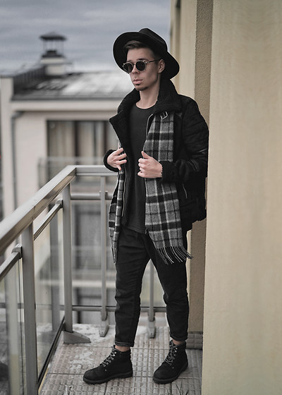 Edgar - H&M Black Suede Shearling, Bershka Black Jogger Pants, Jack And Jones Black Suede Boots, Bugatti Wool Scarf, Asos Black Fedora Hat, Davidoff Black Sunglasses, Black Plain Shirt - THE COLD WEATHER IS HERE
