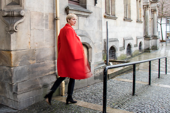Sabine K -  - LITTLE RED RIDING COAT