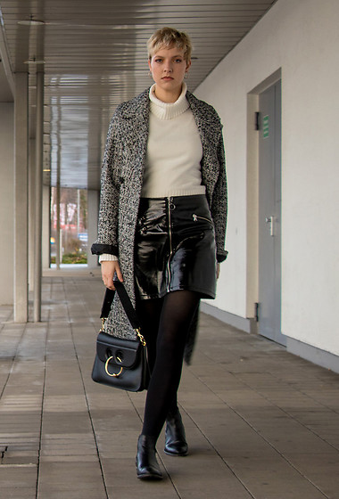 Sabine K - Ten Points Boots, J. W. Anderson Pierce Bag, Topshop Oversized Coat - The Vintage Shopper