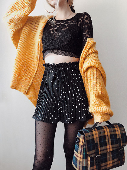 Wonderstyle - H&M Yellow Knitted Cardigan, Asos Black Lacy Top, Primark Lacy Bralette Bra, Zara Polka Dot Pleated Shorts, Calzedonia Black Dotted Tights, Bershka Plaid Bag - Grungy vibes