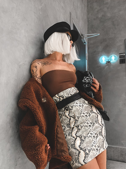 Krist Elle - Sorelleuk Snake Print Mini Skirt, Sorelle Off Shoulder Body Top, Zaful Brown Faux Fur Coat 2019, Zaful O Ring Leather Belt - HOW TO WEAR SNAKE PRINT MINI SKIRT / KRISTELLE