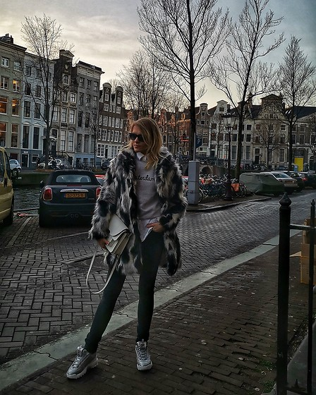 Oliwia Rosiak - Fila Disruptor, Marc By Jacobs Bag, Rock And Republic Jeans, Just Cavalli Sunglasses, Primark Sweater, Iska Londen (Faux) Furry Coa - ✨❤️