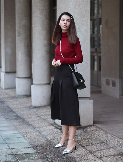 Jelena - Nasty Gal Turtleneck, Asos Black Culottes, New Look Silver Heels - Black culottes