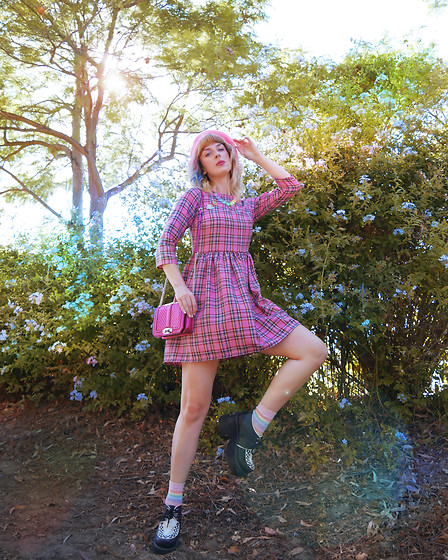 Kate Hannah - Tallulahs Threads Tartan Dress, Kawaiiaestheticsshop Kawaii Hearts Necklace - Pink Dreams