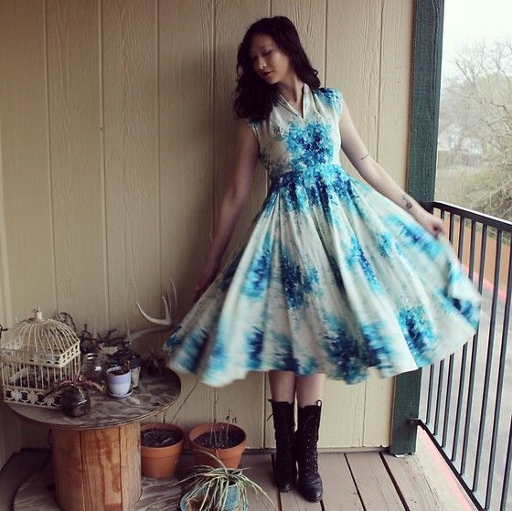 "Michelle Blue - Retro Floral Sundress - ""The Dreadful Need In The Devotee"""
