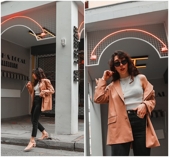 Theoni Argyropoulou - Bershka Oversized Blazer, Zara Halter Neck Top, Asos Slim Mom Jeans, Pointed Shoes, Cat Eye Sunglasses - How to Build a Basic Wardrobe on somethingvogue.com